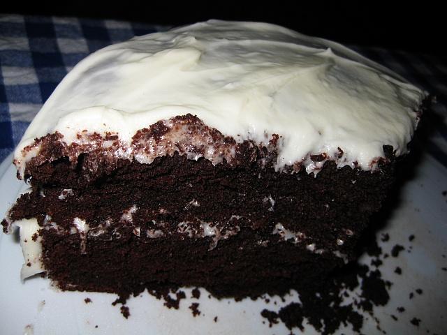 01-hollys-cake