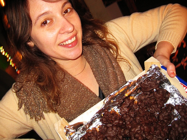 01-jessicas-chocolate-peanut-clusters