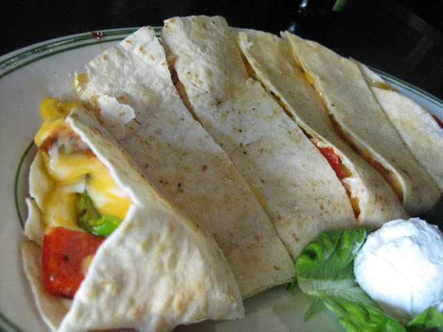 09-hennesseys-chicken-quesadilla