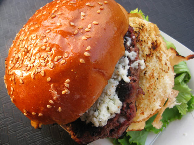01 Frying Pan Sirloin Burger with bleu cheese