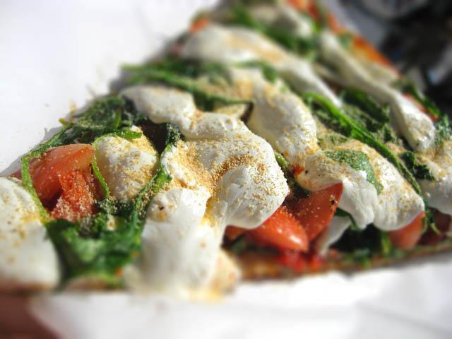 02 Anna Maria mozzarella arugula pizza