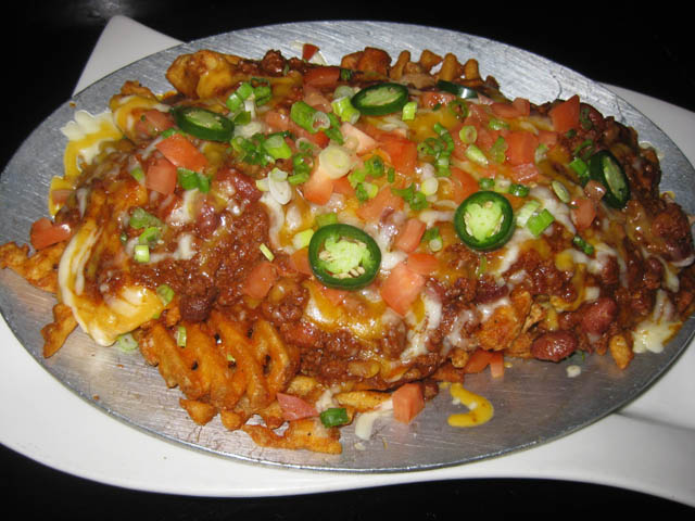 01 Chili And Cheese Waffle Fries - Mulholland's