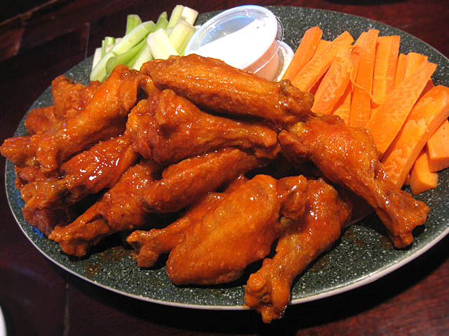 02 Buffalo Chicken Wings – Blondie's | ME SO HUNGRY