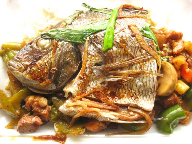 01 Fish head lunch - Taste Good
