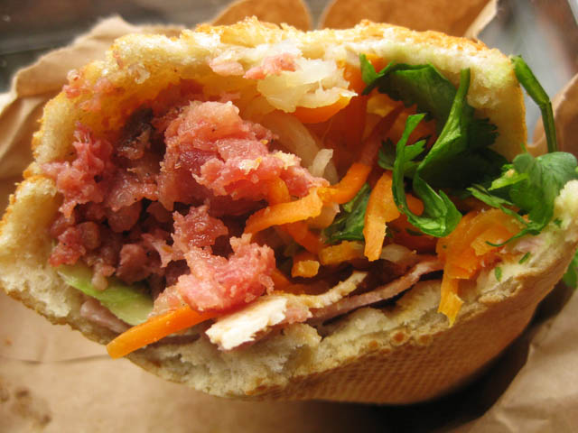 02 Baoguette Pork Banh Mi