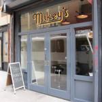 01 Mikeys Burger restaurant 150x150 Mikeys Burger