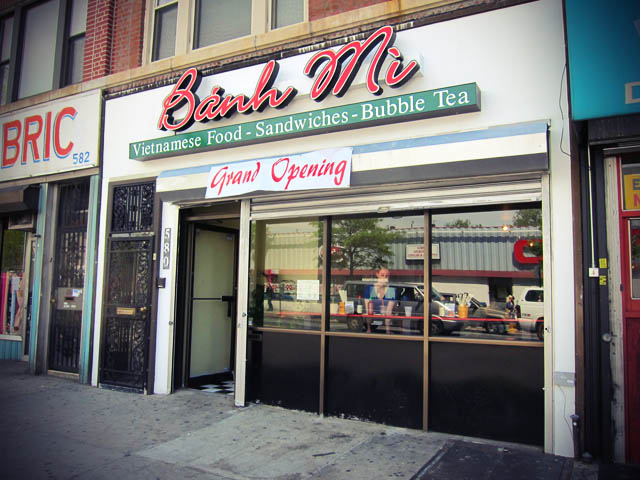 01 Banh Mi Restaurant on Grand St Brooklyn