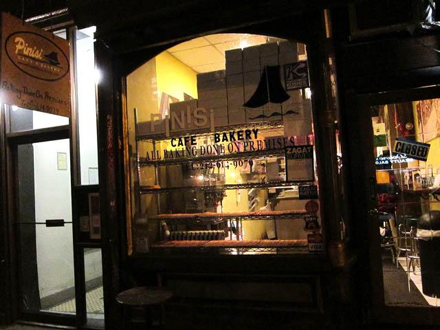 01 Pinisi Cafe & Bakery
