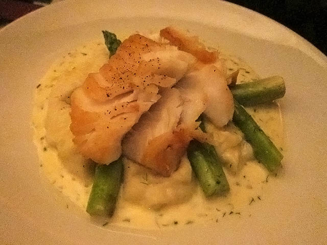 01 Pan Roasted Cod with mashed potatoes and asparagus - Lokal Brooklyn