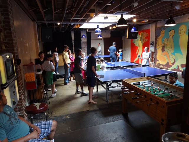 01 Comet Ping Pong Pizza - Washington DC