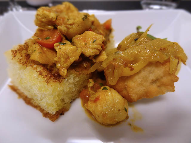 01 Chicken Bunny Chow - South African Tourism