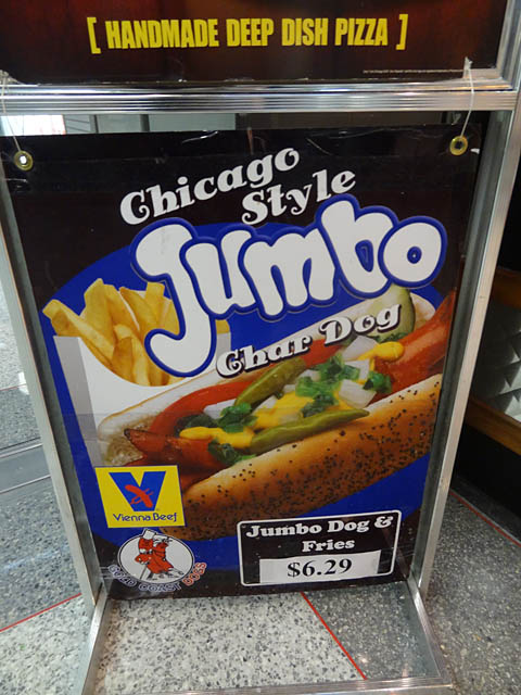 01 Chicago Style Jumbo Char Dog