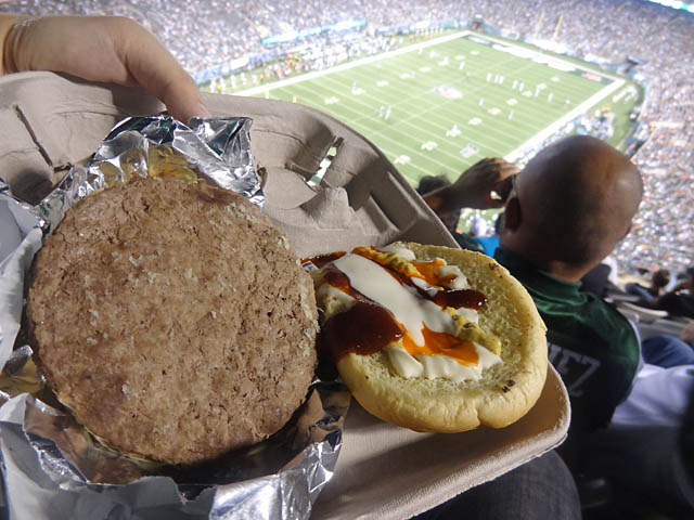 12 Brooklyn Custom Grind Burger MetLife Stadium Foodbloggging MetLife Stadium   Jets Preseason