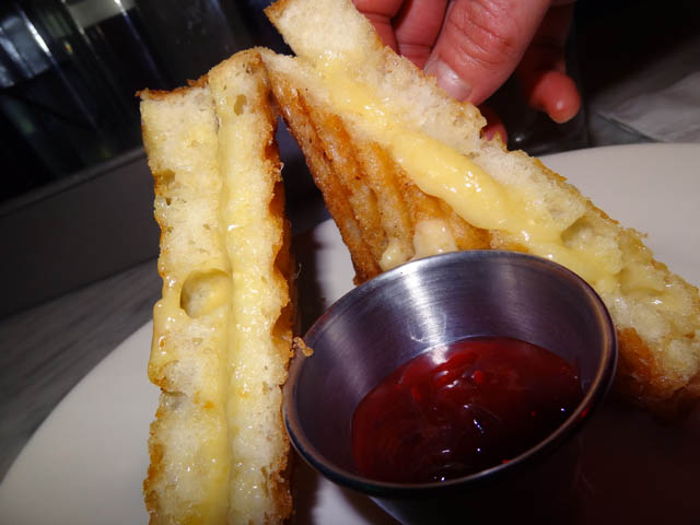 07 Grilled Cheese Subject Bar Cibao Restaurant
