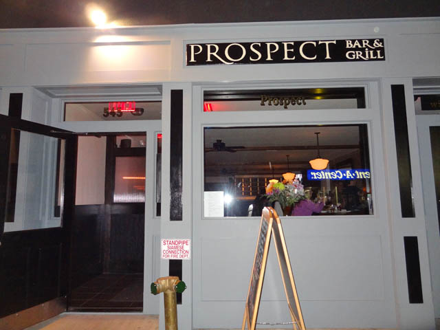 01 Prospect Bar & Grill