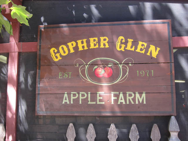 07 Alamo_gopher glen sign
