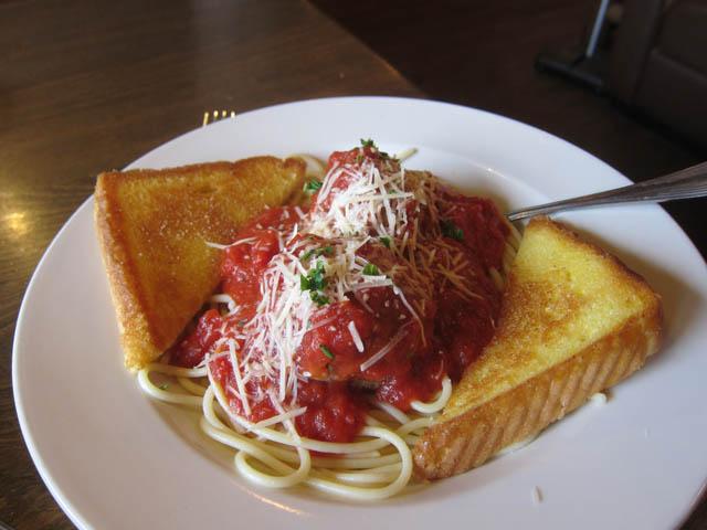 22 riibeye plate Tio Wally Eats America: Ramblin Jack's Ribeye